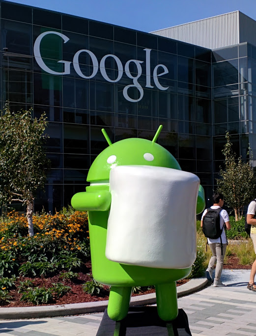 android-marshmallow-statue-1